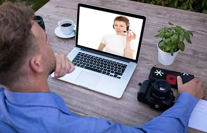 How to Set Up a Conference Call [Best Methods]